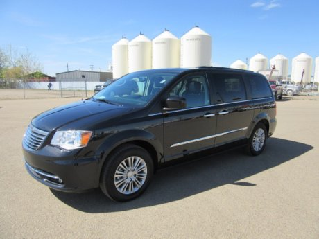 2016 Chrysler Town & Country - P6445