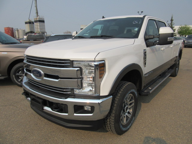 2019 Ford Super Duty F-350 SRW Lariat  Long Box 4x4 (FTS316) Main Image