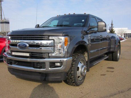 2017 Ford Super Duty F-350 DRW Lariat 4x4